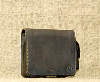 Кожаная сумка (квадратная маленькая).ручная работа.